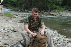 Krátke maskáčové tričko od Helikon-Tex v prevedení US WOODLAND. http://www.armyoriginal.sk/1731/39773/kratke-maskacove-tricko-us-woodland-helikon.html Ruksak RATEL vo farbe coyote. http://www.armyoriginal.sk/1741/127141/takticky-ruksak-ratel-coyote-helikon.html
