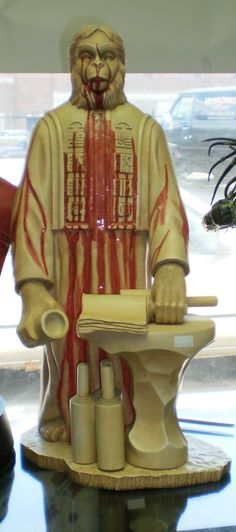 Sideshow Exclusive Lawgiver Statue