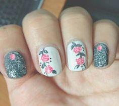 vintage flower nail art designs