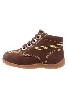 ¡Consigue este tipo de zapatos con cordones de Kickers ahora! Haz clic para ver los detalles. Envíos gratis a toda España. Kickers BILLY Zapatos con cordones marron: Kickers BILLY Zapatos con cordones marron Zapatos   | Material exterior: piel, Material interior: piel, Suela: fibra sintética, Plantilla: cuero | Zapatos ¡Haz tu pedido   y disfruta de gastos de enví-o gratuitos! (zapatos con cordones, vestir, acordonado, acordonados, cordón, blucher, oxford, traje, inglés, casual, derbi...