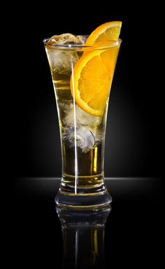Coctail with RedBull HQ photography @foodeverest #realfood #drinks #redbull #fresh #tasty #foodbloggers #foodpicture #drinkphotography #drinks #orange #ice #coctails #drinking #alkoholcoctail #foodeverest #foodshare #drinks