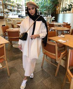 Mode Niqab, Mode Abaya, Street Hijab Fashion, Abaya Fashion, Hijab Fashion Inspiration, Mode Inspiration, Mode Streetwear, Streetwear Fashion, Modele Hijab