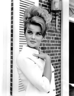 "sala66: "" Ann Margret fotografiada por Virgil Apger, 1964 """