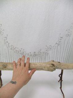 #Pipetten #Packband Bend the wire spikes. Modern Floral Arrangements, Flower Arrangements, Miniature Orchids, Mechanical Design, Flower Show, Craft Tutorials, Flower Decorations, Flower Designs, Techno