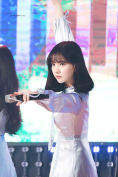Check out GFriend @ Iomoio Kpop Girl Groups, Korean Girl Groups, Kpop Girls, K Pop, Nerd Problems, Jung Eun Bi, Cloud Dancer, G Friend, Daughter Of God