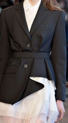 Chic blazer with asymmetric shaped hem; fashion details // Theory Fall 2014