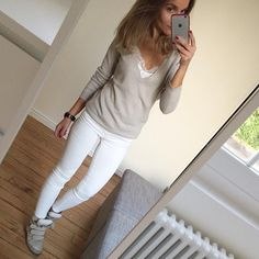 "941 Likes, 49 Comments - Céline (@lesfutiles) on Instagram: ""Blanc d'hiver, épisode 2 #ootd #outfit #instafashion #instalook #lookoftheday #whatimwearingtoday…"""