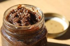 There's no lack of love on Chowhound for bacon jam, a sweet and salty condiment perfect for spreading on toast. But what are some other ways to use it? Bacon Recipes, Appetizer Recipes, New Recipes, Cooking Recipes, Favorite Recipes, Appetizers, Recipes Using Bacon Jam, Cooking Tips, Bacon Jam