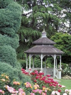 With over 280 vibrant species of roses, the Rose Garden near Woodland Park Zoo is the perfect backdrop for your outdoor #ceremony. A picturesque gazebo and beautiful sparkling fountain add the perfect touches to your perfect day! www.zoo.org/planyourevent #zoowedding