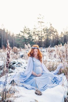 Winter Wonderland Maternity Source by Maternity Photography Poses, Maternity Poses, Casual Maternity, Maternity Portraits, Snow Photography, Levitation Photography, Exposure Photography, Abstract Photography, Family Photography