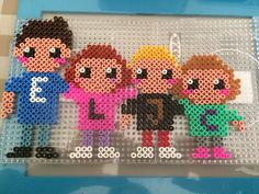 Family portrait in Hama beads. Pixel Beads, Fuse Beads, Perler Beads, Hama Beads Patterns, Beading Patterns, Bead Kits, Bead Crafts, Family Portraits, Pixel Art