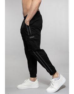 Cool Shirt Designs, Mens Jogger Pants, Mens Fashion Sweaters, Papi, Parachute Pants, Trousers, Sweatpants, Asian, Winter