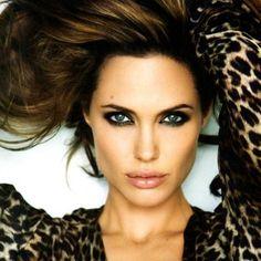 Angelina Jolie entre las mejores que le sienta el Leopardo! http://trnk.in/4u7