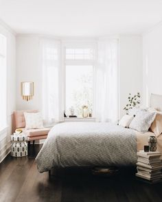 The Modern Organic Bedroom Makeover Stories - decorincite Home Bedroom, Bedroom Makeover, Bedroom Design, Room Inspiration, Bedroom Decor, Home Decor, Small Bedroom, House Interior, Apartment Decor