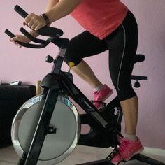 Ich war gerade dann doch noch auf meinen Spinningbike, somit wäre das Cardiotrai... #stayfocused #fitnessphysique... Physical Fitness Program, Indoor Cycling Bike, Hills And Valleys, Spinning Workout, Spin Class, Cycling Workout, Workout Programs, How To Stay Healthy