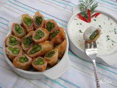 Hozzávalók : 30 dkg zöldbab, 15 dkg vékonyra szeletelt kolozsvári szalonna, 1 tojás, 2 evőkanál liszt, 2 dl olaj, só; a mártogatóshoz...