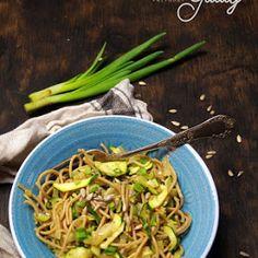 Pieczony kalafior z kuminem (dieta dr Dąbrowskiej)   Kulinarne przygody Gatity - przepisy pełne smaku Kiwi, Asparagus, Green Beans, Spaghetti, Vegetables, Food, Diet, Studs, Essen