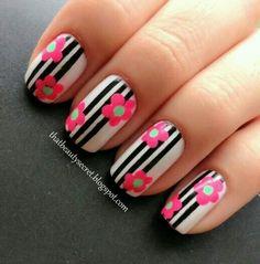 Discover new and inspirational nail art for your short nail designs. Short Nail Designs, Cute Nail Designs, Floral Nail Art, Striped Nails, Manicure E Pedicure, Hot Nails, Fabulous Nails, Flower Nails, Beautiful Nail Art