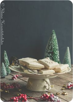 Springerle ~ Anisbrötli Diy Storage Containers, Winter Christmas, Wonderful Time, Macarons, Cookie Recipes, Sweet Tooth, Upcycle, Sweets, Cookies
