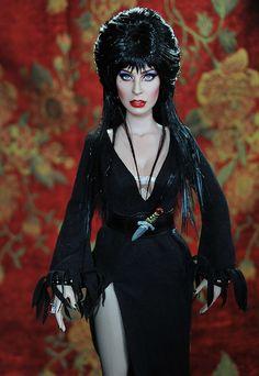 Elvira Doll Painted by Noel Cruz Creations Elvira Movies, Celebrity Barbie Dolls, Diva Dolls, Dolls Dolls, Gothic Dolls, Realistic Dolls, Vintage Barbie Dolls, Doll Repaint, Barbie Collection
