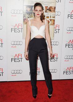 Kristen Stewart en tenue Balenciaga de la collection printemps-été 2013 à la projection de Sur la route lors du AFI Fest à Hollywood, le 3 novembre 2012