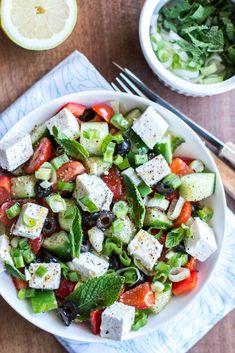 Salade Grecque - Food for Love Salade Healthy, Buddha Bowl, I Foods, Parfait, Cobb Salad, Healthy Life, Recipes, Motion Design, Portal