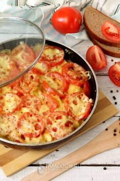 Cheeseburger Chowder, Food And Drink, Pizza, Cooking Recipes, Soup, Chicken, Easy Meals, Food And Drinks, Cooking