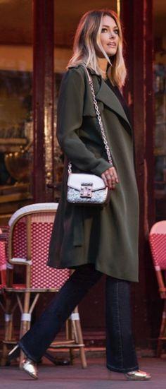 #spring #fashion #outfitideas | Khaki Trench + Flares + Golden Shoes | Caroline Receveur & Co
