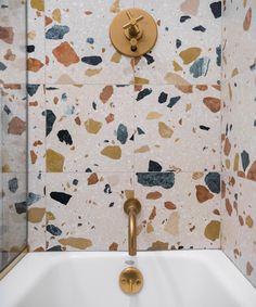Bathroom Decor tiles unique terrazzo tile in the bathroom Chalet Design, Home Design, Design Ideas, Design Design, Bathroom Tile Designs, Bathroom Interior Design, Bathroom Ideas, Stone Bathroom Tiles, Colourful Bathroom Tiles