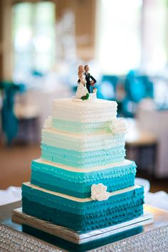 Square Ombre ruffled cake, perfect colors
