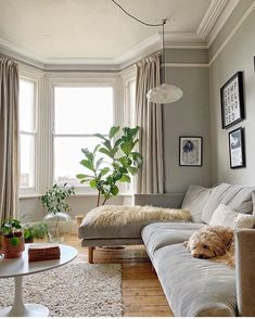 79 top Choicecs Living Room Decor - Find the Look You're Going for It the Best Diy Apartment Small Living Room Ideas A Bud 156 New Living Room, My New Room, Home And Living, Living Room Decor, Living Room With Bay Window, Scandi Living Room, Small Living, Victorian Living Room, Budget Home Decorating