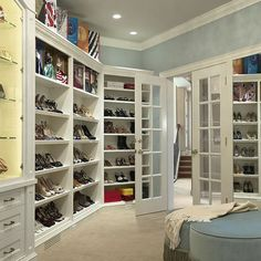 having a cushy seat in my closet would make me a happy girl