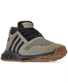 Addidas Shoes Mens, Adidas Shoes, Adidas Men, Dress With Sneakers, Sneakers Fashion, Men's Sneakers, Design Adidas, Adidas Originals, Black Gums