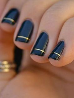Unlike complex nail designs that take plenty of time to create, these simple DIY minimalist nails look impressive without all the work Easy Nails, Simple Nails, Cute Nails, Pretty Nails, Gorgeous Nails, Amazing Nails, Funky Nails, Fabulous Nails, Manicure Y Pedicure