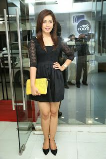 Rashi Khann Smiling Beauty in black mini dress lovely beauty sexy legs ~ Bollywood Gallery South Indian Actress Gallery