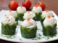 Castraveti aperitiv Romanian Food, Appetisers, Creative Food, Appetizer Recipes, Sushi, Easy Meals, Homemade Food, Ethnic Recipes, Desserts
