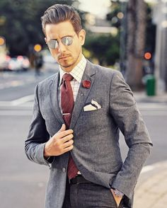 Mondays with a pop of red. Sunglasses by @rayban Shirt by @tmlewin Blazer by @topman_sa Tie and pocket square by @bows_n_ties : @WhatMyGirlfriendShoots ——————————————– For sartorial secrets and all things dapper visit www.whatmyboyfriendwore.com For...