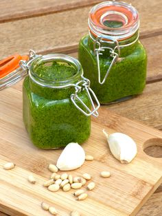 This Raw Vegan Pesto Sauce is the perfect condiment for pasta, salads, panini or anything you can think of!
