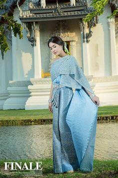 Traditional Thai Wedding Dress in Blue [Modeled: Warattaya Nilkuha (Jui)]