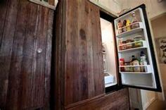 RENTERS: Magnetized wood plank fridge update. Turn a dated fridge into a showstopping statement piece with wood planks and magnets.