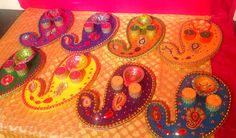 The original Paisley shaped mehndi plate, these have been made in a stunning variety of colours. See my Facebook page www.facebook.com/mehnditraysforfun for more ideas and inspiration for your mehndi