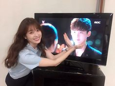 "Han Hyo Joo has confirmed her love for Kang Chul (Lee Jong Suk) and ""W."" On August 4, BH Entertainment posted photos of the actress watching ""W"" on their o"