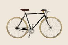 The Gaston: gorgeous classic looking single speed.  Leather and steele!