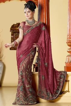 Keeping in mind current fashion in India, designer sarees & dress manufacturer are implementing new ideas like using rapier loom, narrow fabric etc. in their collection. Various portals like tradexl provide the list of all those suppliers.