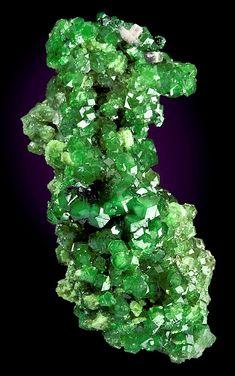 Tsavorite (green Garnet) from Canada