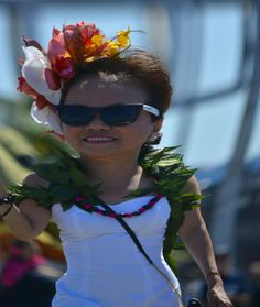 https://flic.kr/p/uNZ9oy | Hawian Attire | Representing Aloha Airlines in the Rose Parade