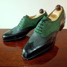 Another unique Made-to-Order pair going to a client shortly. And how about bidding on these green beauty for Ascot-Shoes Birthday charity auction, or any Vass shoes you see on our IG FEED. Custom made to your size and requirements, with all proceeds...