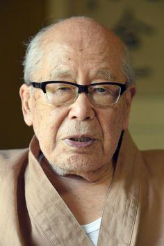 前衛俳句の旗手として活躍し第二次世界大戦後の俳壇をリードした俳人の金子兜太(かねこ・とうた)さんが20日、急性呼吸促迫症候群のため、埼玉県熊谷市の病院で死去した。98歳。葬儀は近親者のみで営む。後日お別れの会を開く。