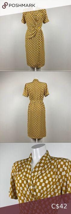 Vintage Yellow Print Side Wrap Dress Bottom is lined Yellow Cream, Yellow Print, Plus Fashion, Fashion Tips, Fashion Trends, Vintage Yellow, Shoulder Pads, Vintage Dresses, Elastic Waist