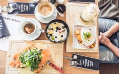 GRAZ TIP - One of the best breakfast places to visit in Graz: Kunsthauscafe | www.juyogi.com